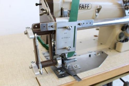PFAFF 5642 Plissiermaschine mit EAG Faltenlegeaggregat