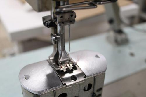 Pfaff 596H3/63 2 Nadel- Säulenindustrienähmaschine