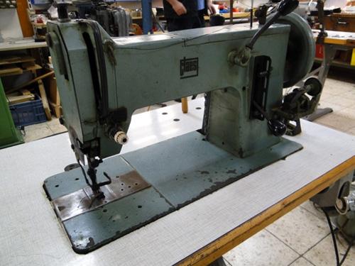 Claes 221 Schwere Steppstich-Nähmaschine mit Barellschiffgreifer